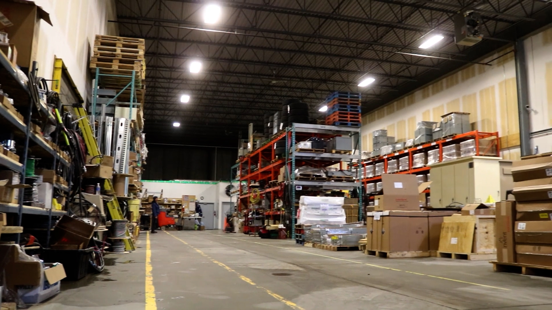 battery electric warehouse
